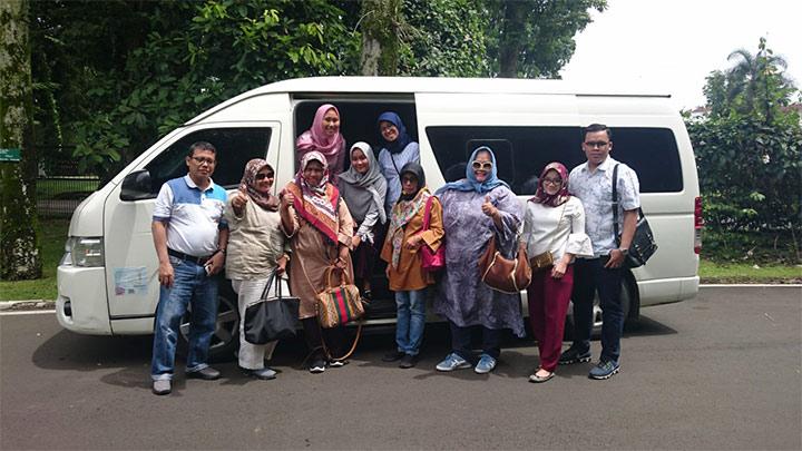 Sewa Hiace Wisata Jakarta