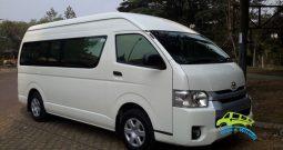 Sewa Toyota Hiace Commuter
