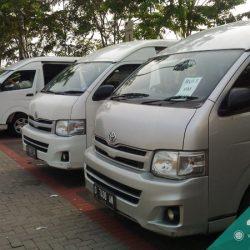 Mobil Toyota Hiace